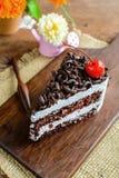 Dolce di cioccolato sulla tavola di legno immagine stock libera da diritti