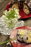 Dolce di Pasqua con la crema del cioccolato Fotografie Stock