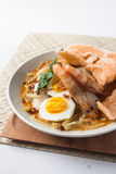 Dolce di riso del ketupat del lontong di cucina dell'Asia fotografia stock