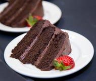 Dolce di strato del cioccolato - fetta Immagine Stock Libera da Diritti