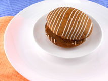 Dolce dolce sul piatto bianco Immagini Stock
