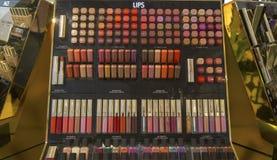 Dolce et Gabbana préparent la ligne dans Macy's chez Herald Square sur Broadway à Manhattan Photos stock