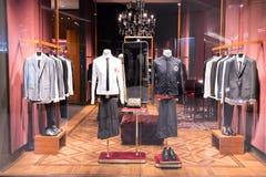 Dolce & Gabbana shoppar på Emquatier, Bangkok, Thailand, September 3, 201 Arkivfoto
