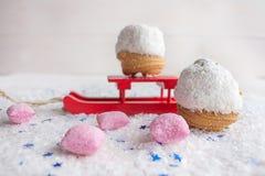 Dolce nel rosa delle patatine fritte e della caramella della noce di cocco Fotografia Stock Libera da Diritti