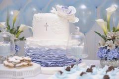 Dolce per il battesimo cattolico fotografia stock libera da diritti