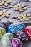 Dolce polacco tradizionale delle uova di Pasqua e di cioccolato di pasqua del mazurek Immagine Stock Libera da Diritti