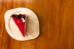 Dolce rosso su di legno immagine stock libera da diritti