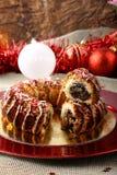 Dolce siciliano con i fichi e la pasticceria secchi sulla tavola di Natale Fotografia Stock Libera da Diritti