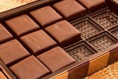 Dolci del cioccolato in scatola Immagine Stock Libera da Diritti