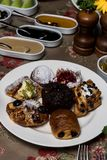 Dolci, dessert e pasticcerie per la prima colazione immagine stock