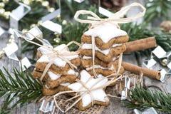 Dolci di Natale (biscotti della cannella) Fotografia Stock Libera da Diritti