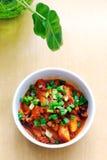 Dolci di riso coreani piccanti con salsa Fotografie Stock