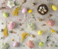 Dolci e decorazioni di Pasqua Immagine Stock Libera da Diritti