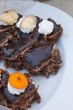 Dolci squisiti Piatto di dessert Deserti del ristorante e del forno Alimento dolce, buffet Alimento non sano Parti della torta Fotografie Stock Libere da Diritti