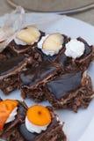 Dolci squisiti Piatto di dessert Deserti del ristorante e del forno Alimento dolce, buffet Alimento non sano Parti della torta Fotografia Stock