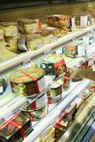 Dolci sugli scaffali del supermercato Fotografia Stock