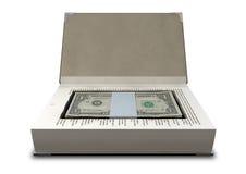 Dold kassa i en boka beklär Royaltyfri Bild