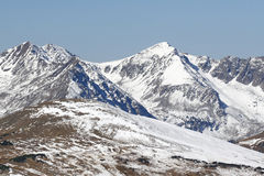 Dolda berg för snö av Rocky Mountain National Park royaltyfria bilder