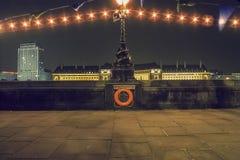 Dolfijnlampen op Victoria Embankment, Londen, het UK Royalty-vrije Stock Foto