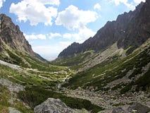 Dolina del studena de Mala - valle en alto Tatras, Eslovaquia Imagen de archivo