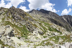 Dolina di studena di Mala - valle in alto Tatras, Slovacchia Immagine Stock Libera da Diritti