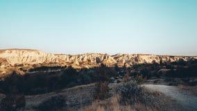 Dolina, Kołysa i kamienie Cappadocia, Turcja Obraz Stock