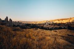 Dolina, Kołysa i kamienie Cappadocia, Turcja Obrazy Stock