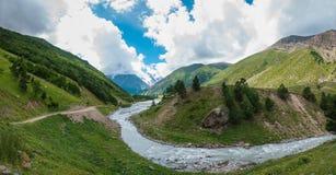 Dolinna Gara-Auzusu rzeka zdjęcia stock