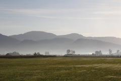 Dolinny mgła wczesny poranek Obraz Royalty Free