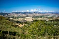 Dolinny wieś krajobraz, Basilicata, Włochy zdjęcia royalty free