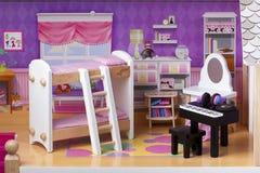 Doll de Slaapkamer van de Huisclose-up Stock Foto