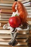 Doll en appel stock foto
