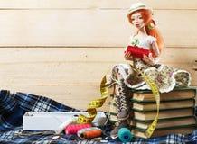 Doll en draad royalty-vrije stock afbeeldingen