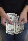 Dollar in den Händen Stockbilder