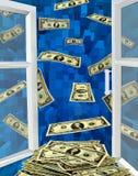 Dollar, die weg von geöffnetem Fenster fliegen Lizenzfreie Stockfotos