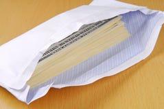 Dollar in einem Umschlag Lizenzfreies Stockfoto