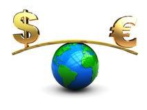 Dollar en euro op schaal Stock Afbeelding