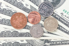 Dollar en muntstukgeld royalty-vrije stock afbeelding