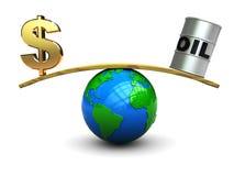 Dollar en olie op schaal Royalty-vrije Stock Foto
