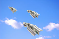 dollar flyga Arkivbilder