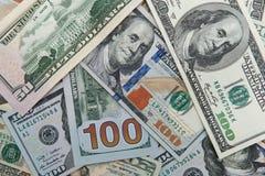 Dollar merkt Hintergrund einschließlich die neuen Blue Noten lizenzfreie stockbilder