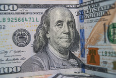 Dollar mit 100 Amerikanern Stockfoto