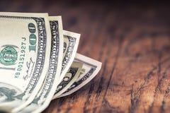 Dollar sedelcloseup Kontanta pengaramerikandollar Närbildsikt av bunten av US dollar Arkivbilder