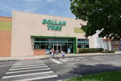 Dollar Tree exterior angle view. Orlando,FL/USA-7/9/19: The exterior view of a Dollar Tree store which sells a variety of products for one dollar stock image