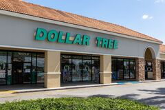 Dollar Tree storefront. Companies that are hiring during COVID-19