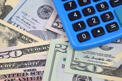 Dollar u. Taschenrechner Lizenzfreie Stockfotos