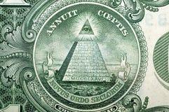 1 dollar USA, pyramid, för en bakgrund Makro Arkivbilder