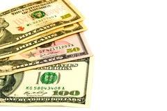 Dollarbankbiljetten op een witte achtergrond met exemplaarruimte worden geïsoleerd voor tekst die Royalty-vrije Stock Afbeelding
