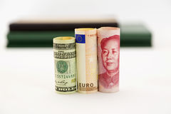Dollaren, euroet och yuanen är globala frågor Royaltyfri Fotografi