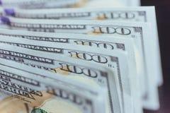 Dollari americani Cento banconote del dollaro, 100 Fotografie Stock